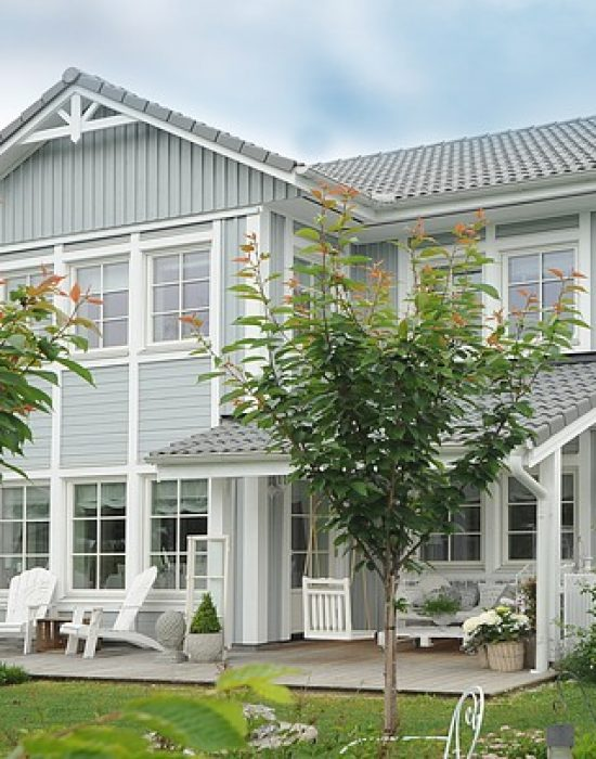 Picket-Porch-Ideas-for-Two-Story-Stucco-Houses